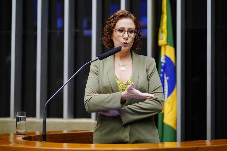 Zambelli: não há previsão legal que embase a demissão de funcionário que recusar a vacina - (Foto: Pablo Valadares/Câmara dos Deputados)