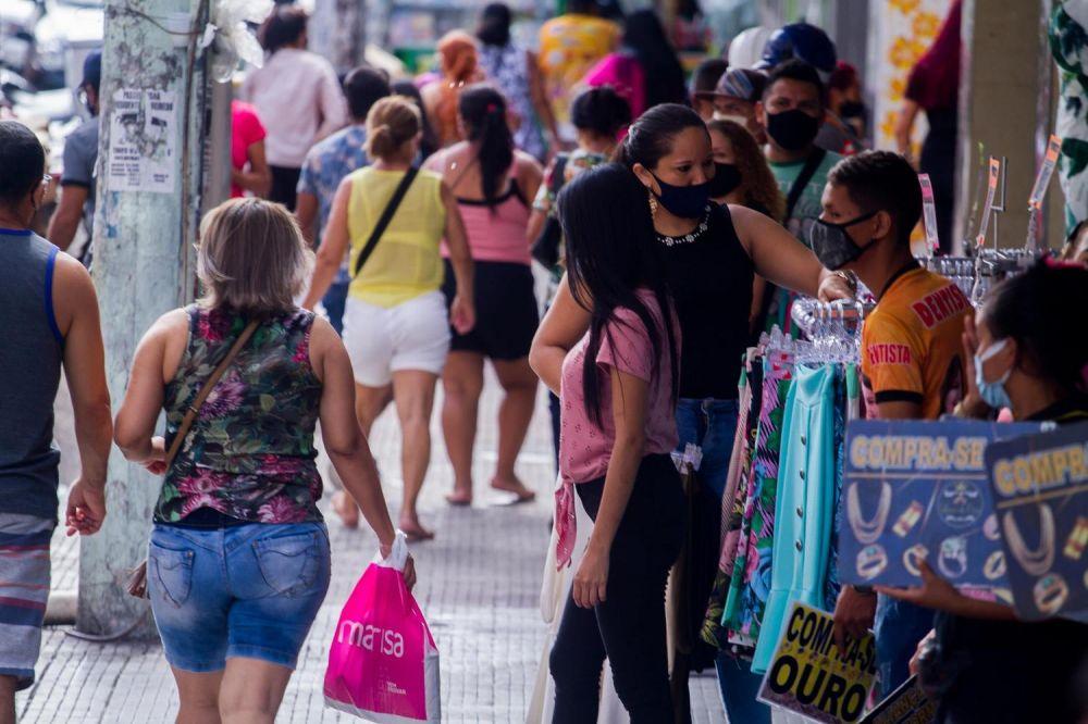 Comércio de Manaus (AM) teve abertura permitida a partir desta segunda-feira - (Foto: Aguilar Abercassis/Futura Press/Estadão Conteúdo)