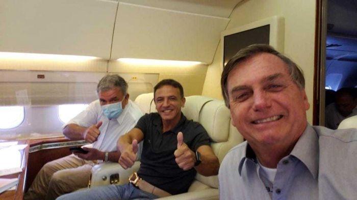 Bolsonaro fez voo para o Acre ao lado de senador do Estado Marcio Bittar (MDB) - (Foto: Facebook / Márcio Bittar)