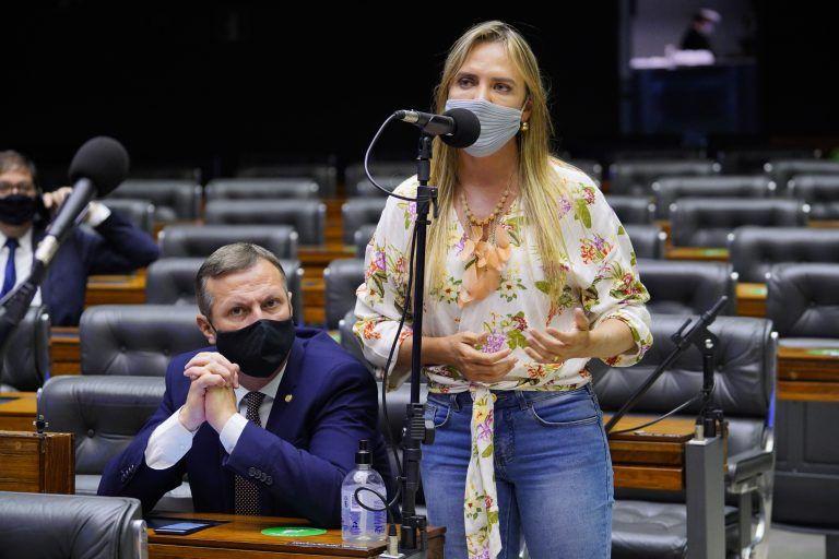 Celina Leão é a relatora da proposta - (Foto: Pablo Valadares/Câmara dos Deputados)