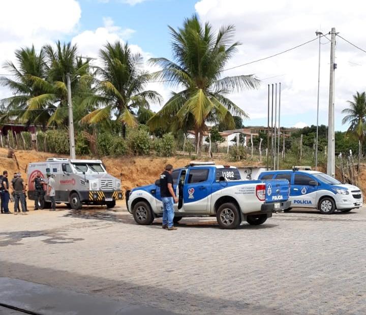 Tentativa de assalto a Carro-Forte em Jeremoabo BA; com vídeo