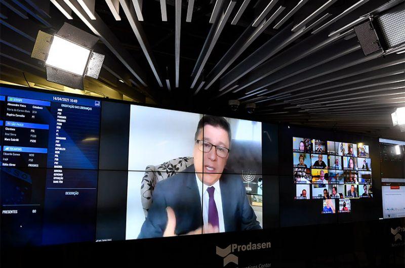 O relator da proposta, senador Carlos Viana (PSD-MG), se manifestou contra os três destaques apresentados; o PLP 30/2021 voltará à deliberação do Plenário na próxima semana - Leopoldo Silva/Agência Senado