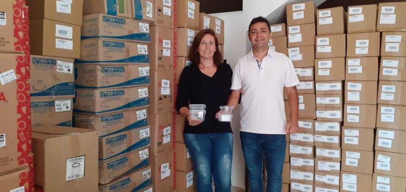 Luciana e o marido, Alexandre: vendas de embalagens plásticas sextuplicaram na pandemia - (Foto: Arquivo pessoal)