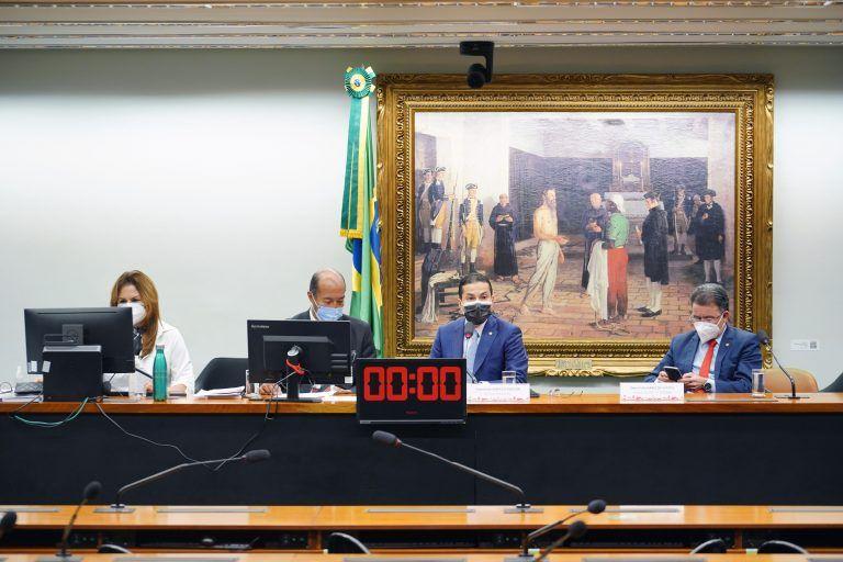 A CCJ realiza uma série de audiências sobre a reforma - (Foto: Pablo Valadares/Câmara dos Deputados)