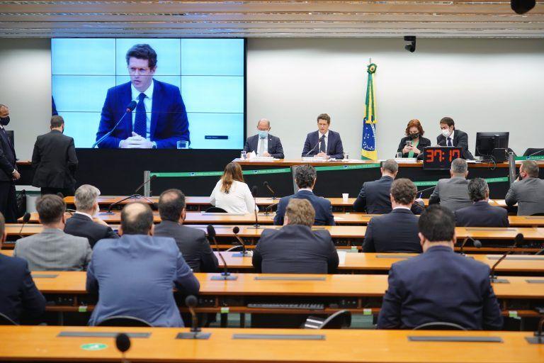 Salles: Brasil espera US$ 1 bilhão dos EUA - (Foto: Pablo Valadares/Câmara dos Deputados)