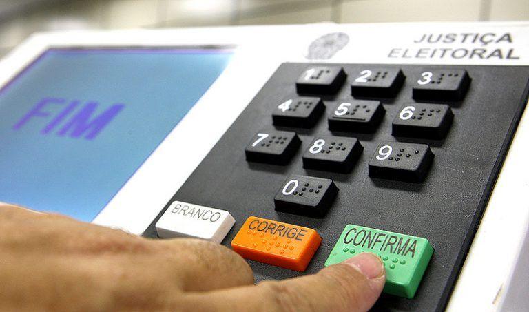 Proposta adia eleição em uma semana se a data estiver próxima de feriado - (Foto: Roberto Jayme/Ascom/TSE)
