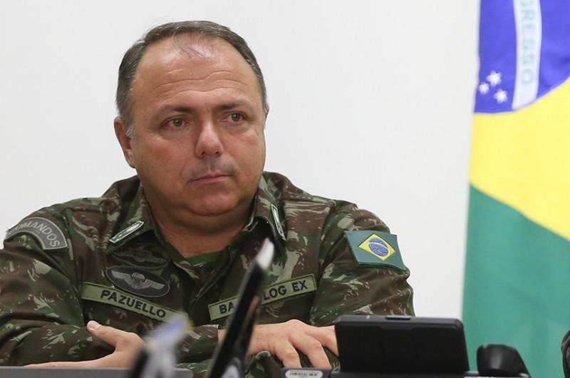 Em 23 de maio, Pazuello, que é general da ativa, participou de evento no Rio de Janeiro com apoiadores de Bolsonaro, o que é vedado pelo Regimento do Exército - Valter Campanato/Agência Brasil