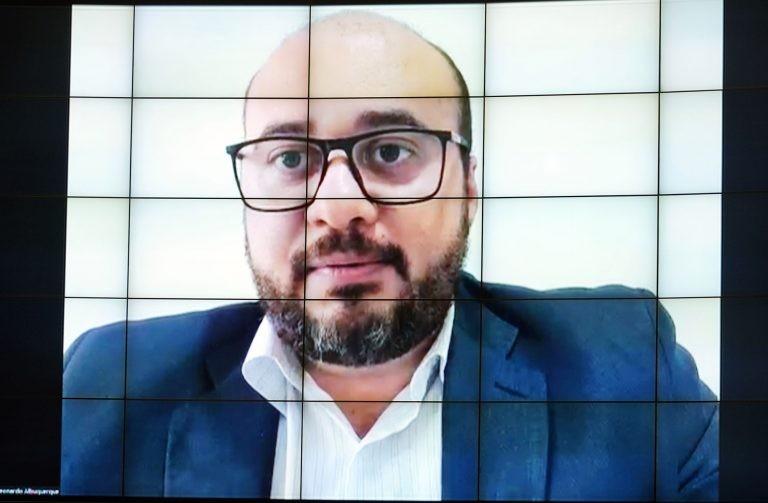 Dr. Leonardo: necessidade de revisões e adequações em projetos e cronogramas - (Foto: Pablo Valadares/Câmara dos Deputados)