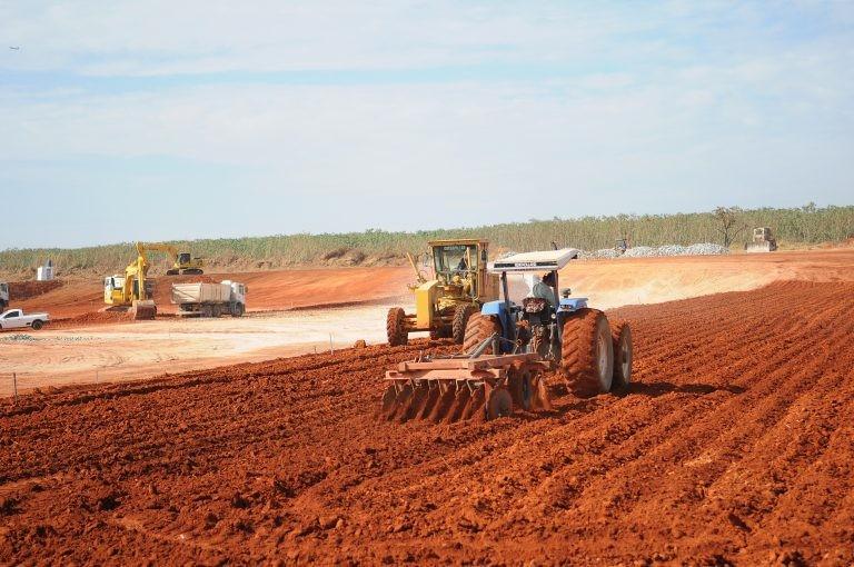 Obra de construção de aterro sanitário no DF - (Foto: Dênio Simões/Agência Brasília)