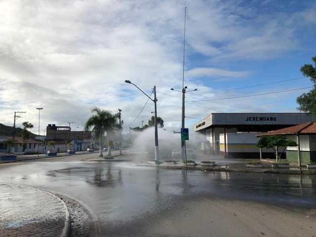 Com a parceria da empresa TOP Engenharia ruas de Jeremoabo BA são desinfetadas