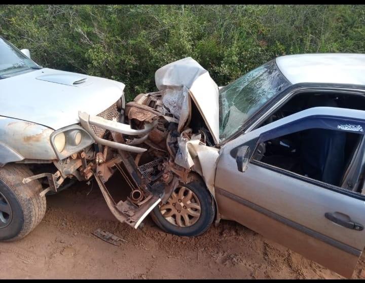 Jeremoabo BA: batida de veículos quase termina em tragédia